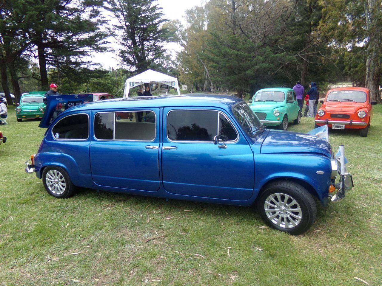 Exposición de autos antiguos en la ciudad de Tres Arroyos | Bragado